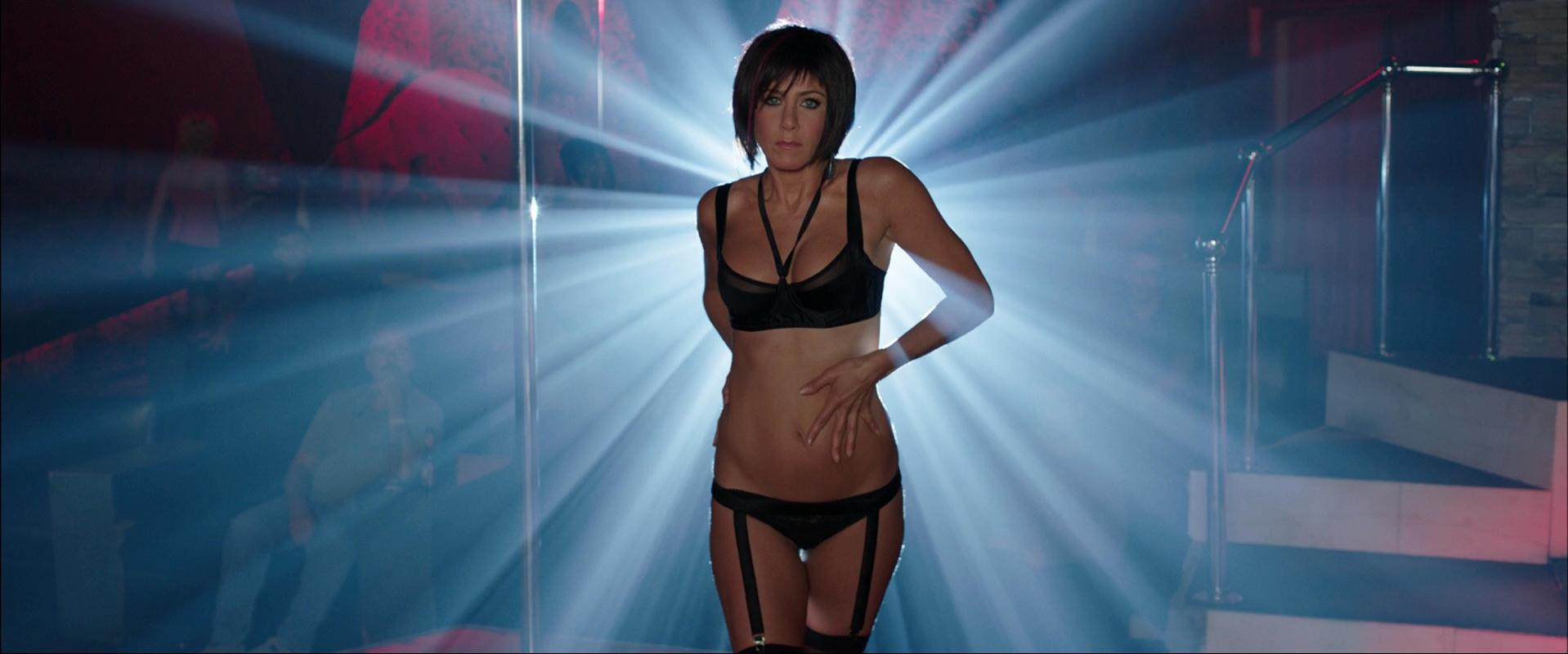 Jennifer Aniston sexy - We're the Millers (2013)