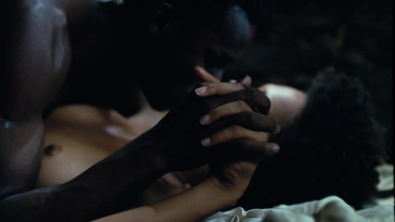 Jessica Barbosa nude - Besouro (2009)