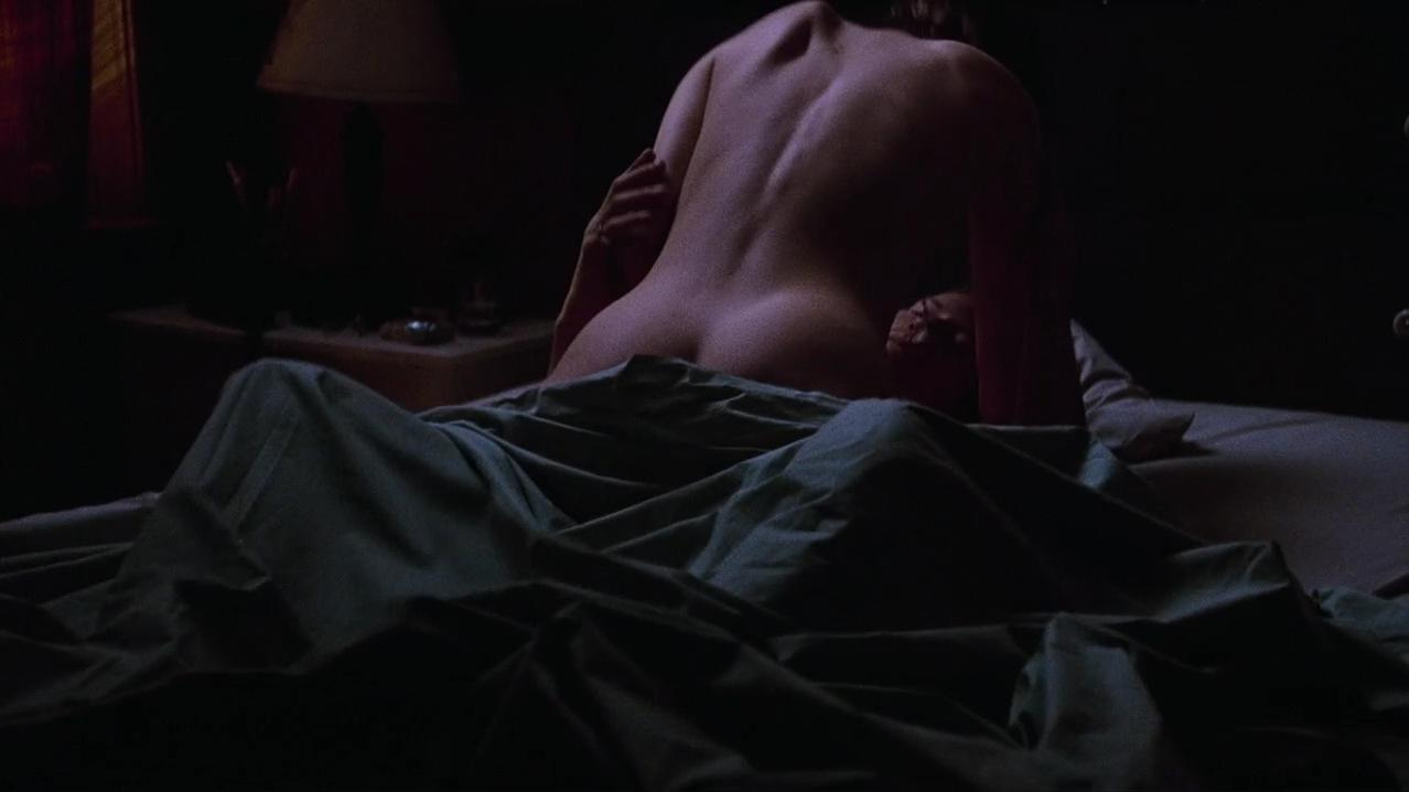 Jennifer Jason Leigh nude - Georgia (1995)