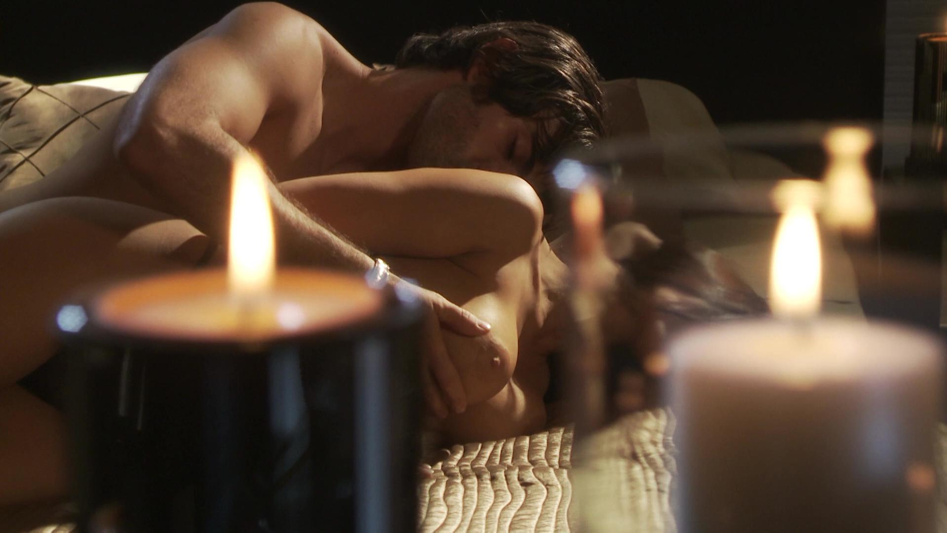 Elizabeth Cervantes nude - Oscura Seduccion (2010)