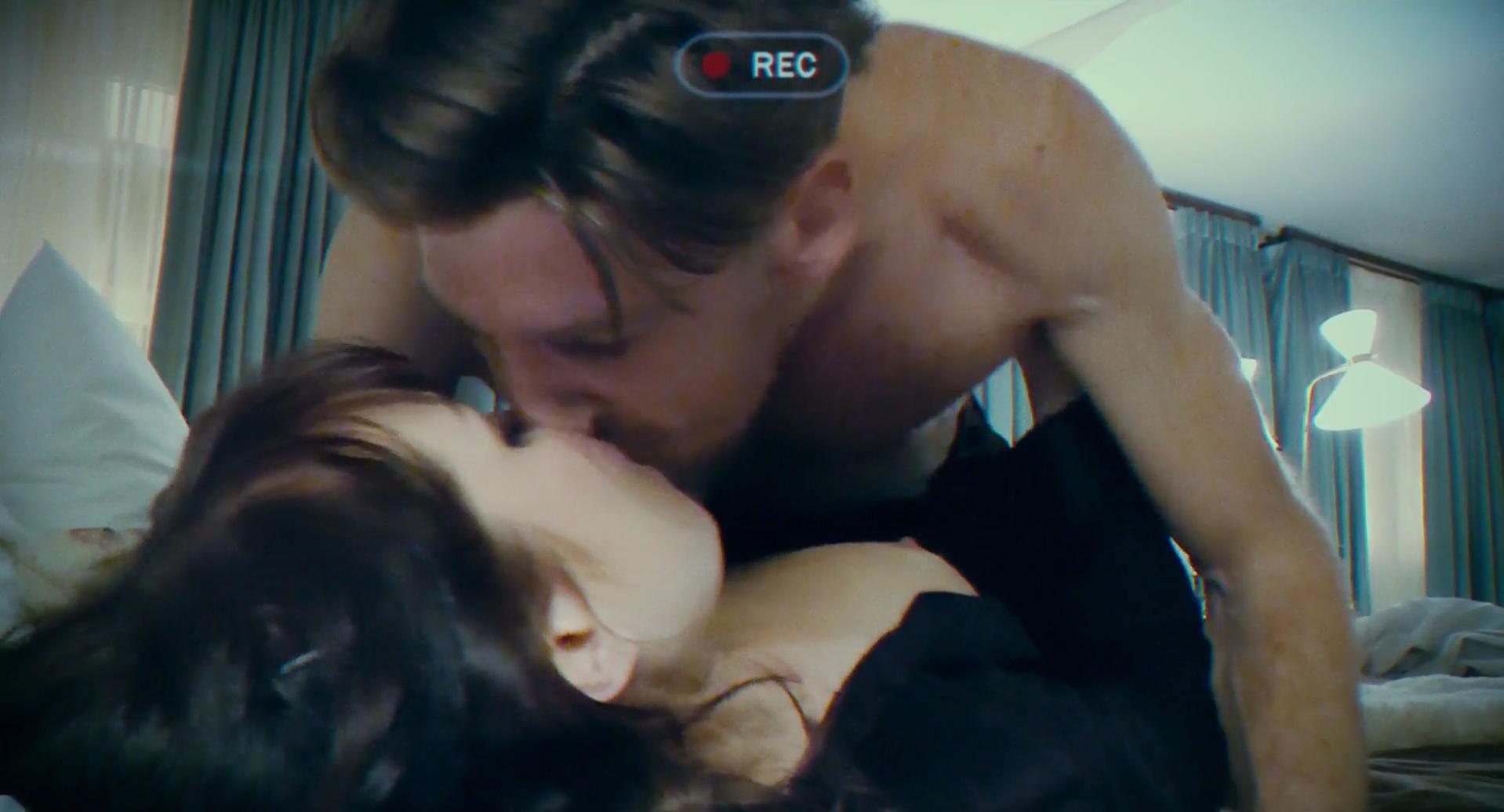 Rachel McAdams sexy, Noomi Rapace nude - Passion (2012)