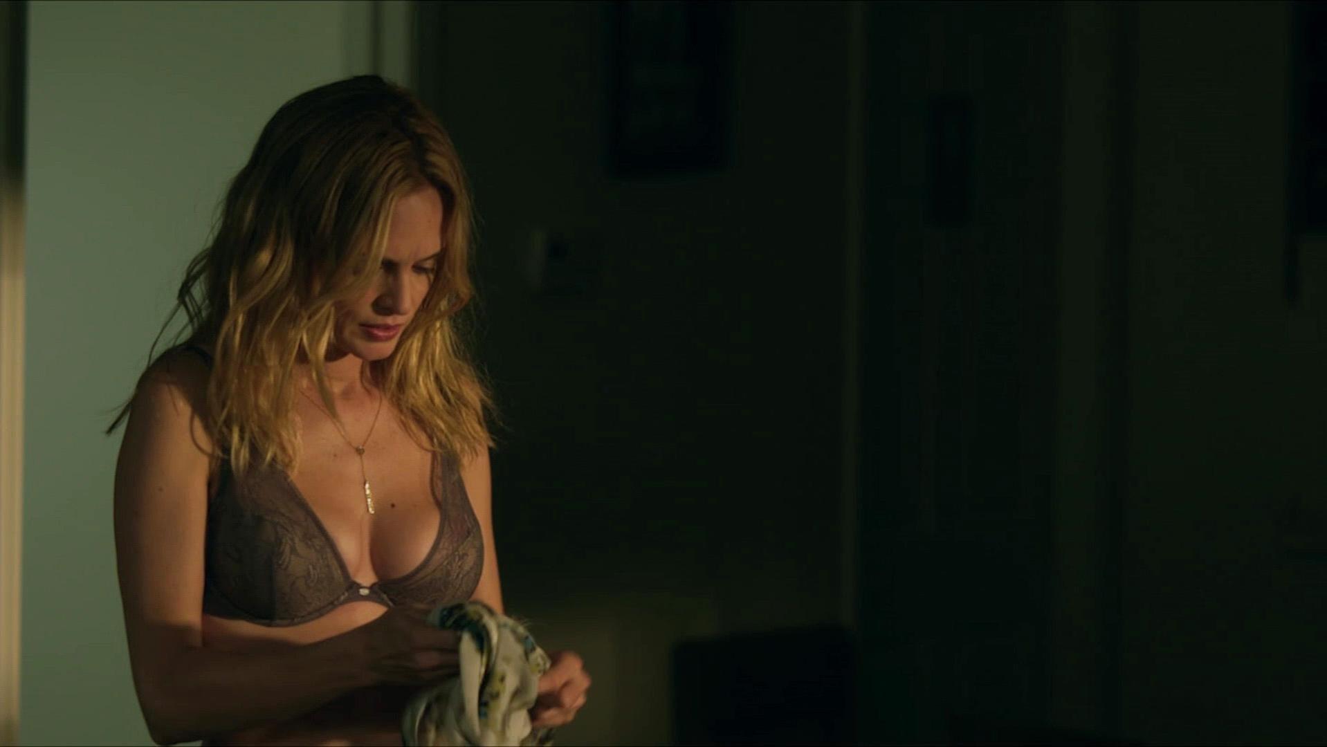 Heather Graham sexy - At Any Price (2012)