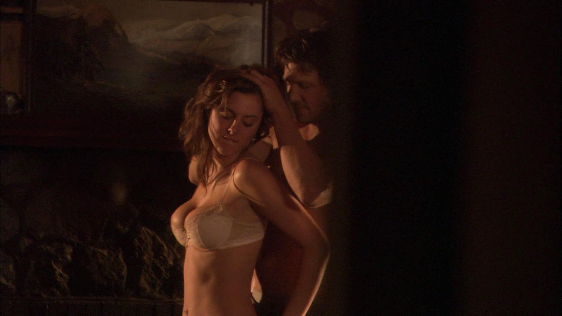 Eva Amurri nude - Animals (2008)