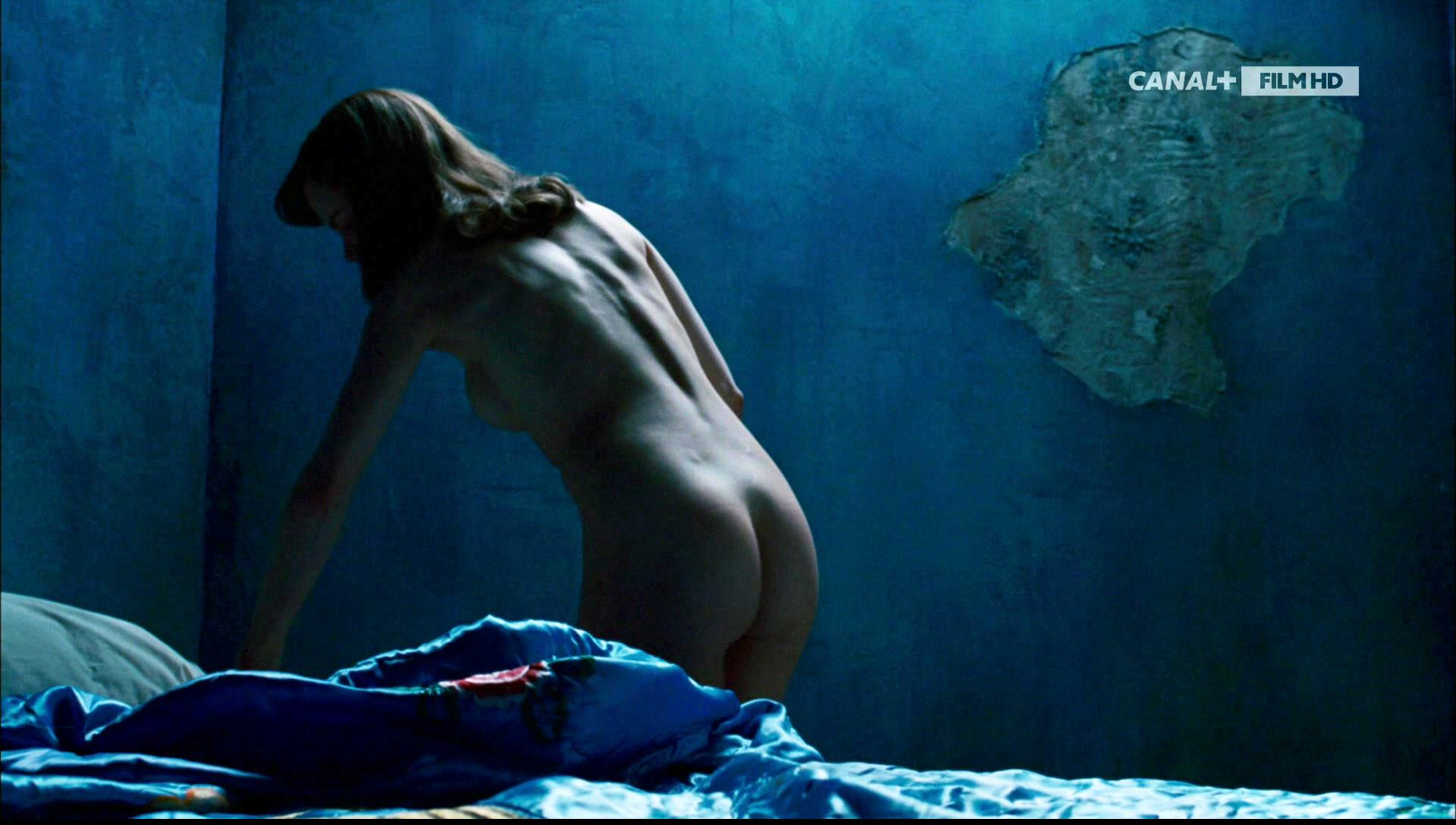 Nicole Kidman nude - An Imaginary Portrait of Diane Arbus (2006)
