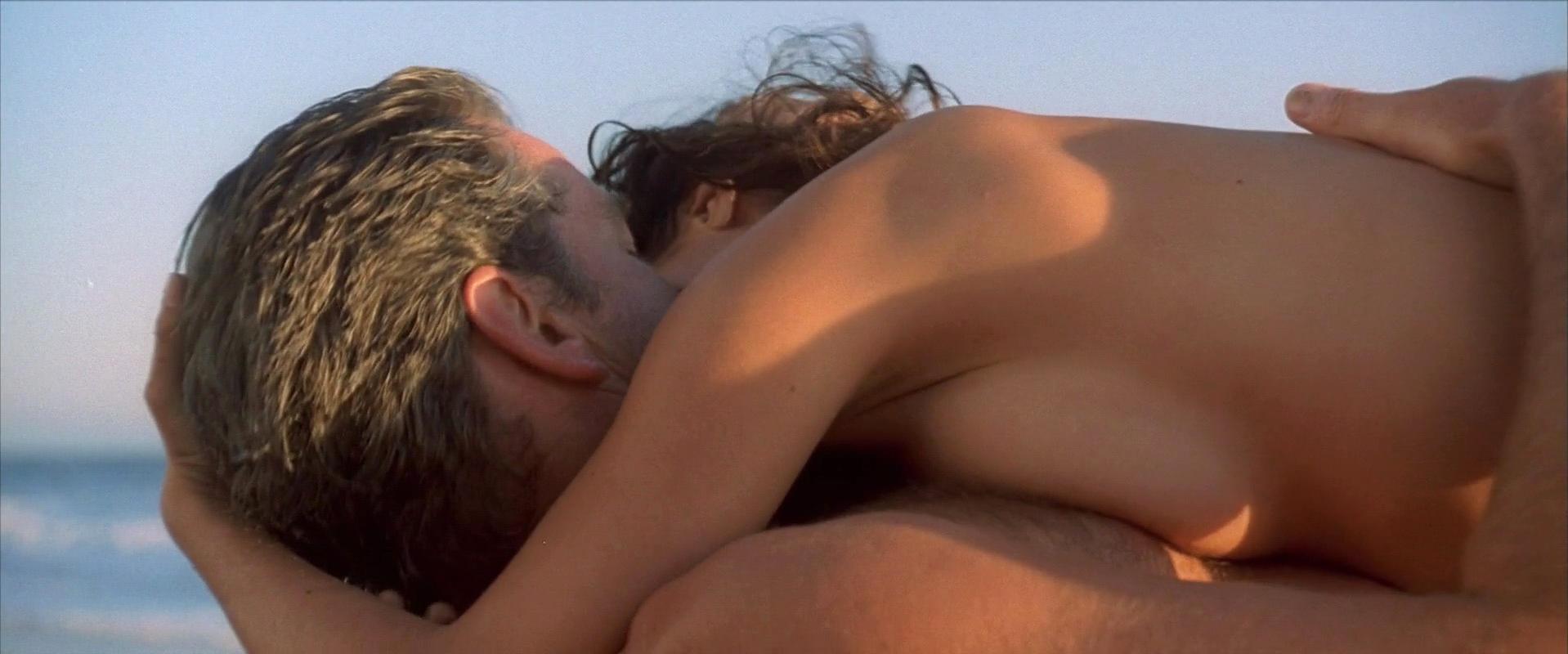 Salma Hayek sexy - After The Sunset (2004)