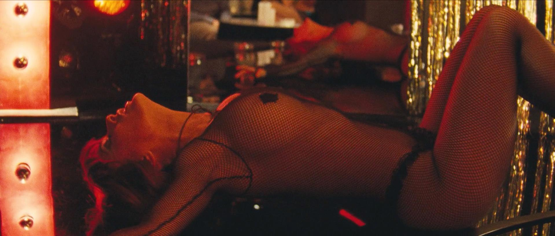 Salma Hayek sexy - Americano (2011)