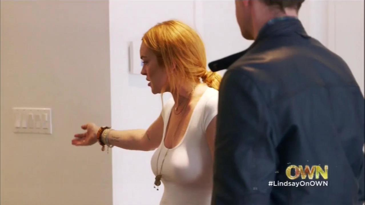 Lindsay Lohan sexy - Lindsay s01e03 (2014)