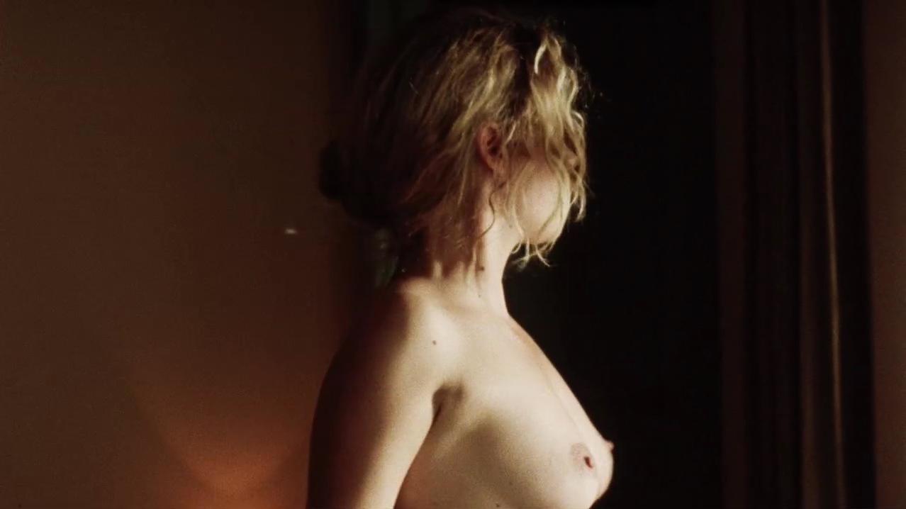 Vahina Giocante nude - 30 Beats (2012)