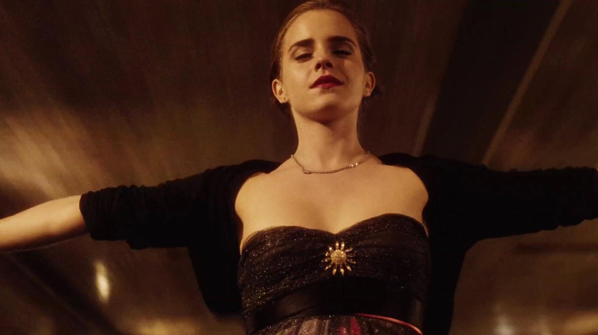 Emma Watson sexy - The Perks Of Being A Wallflower (2012)