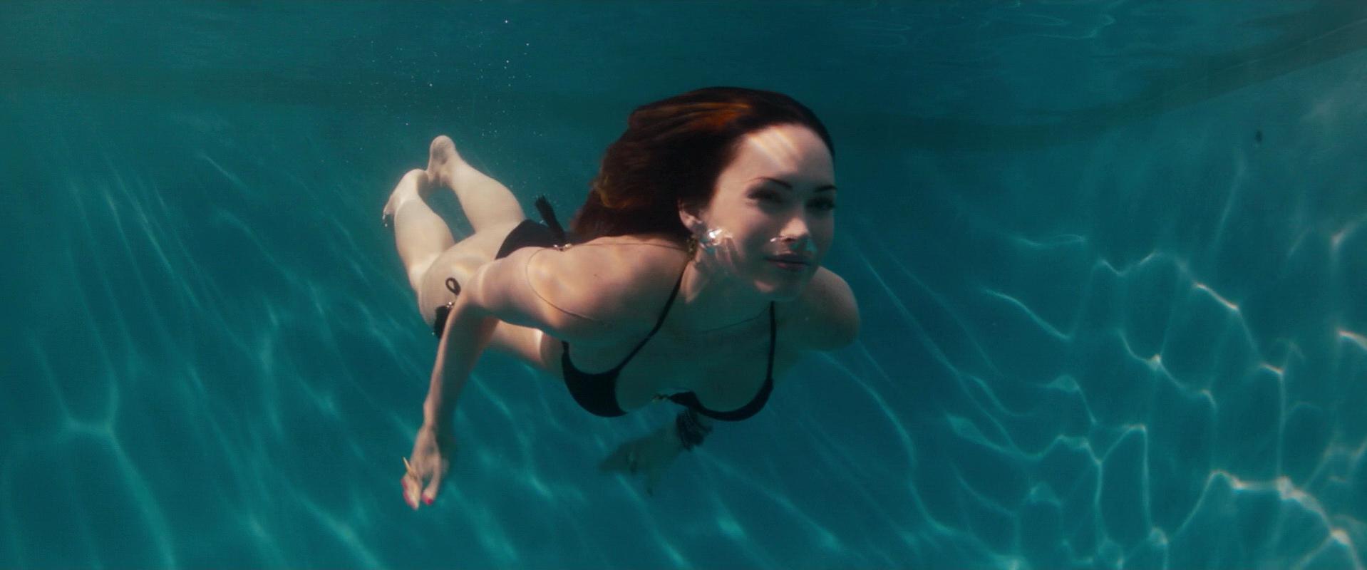 Megan Fox sexy - This is 40 (2012)