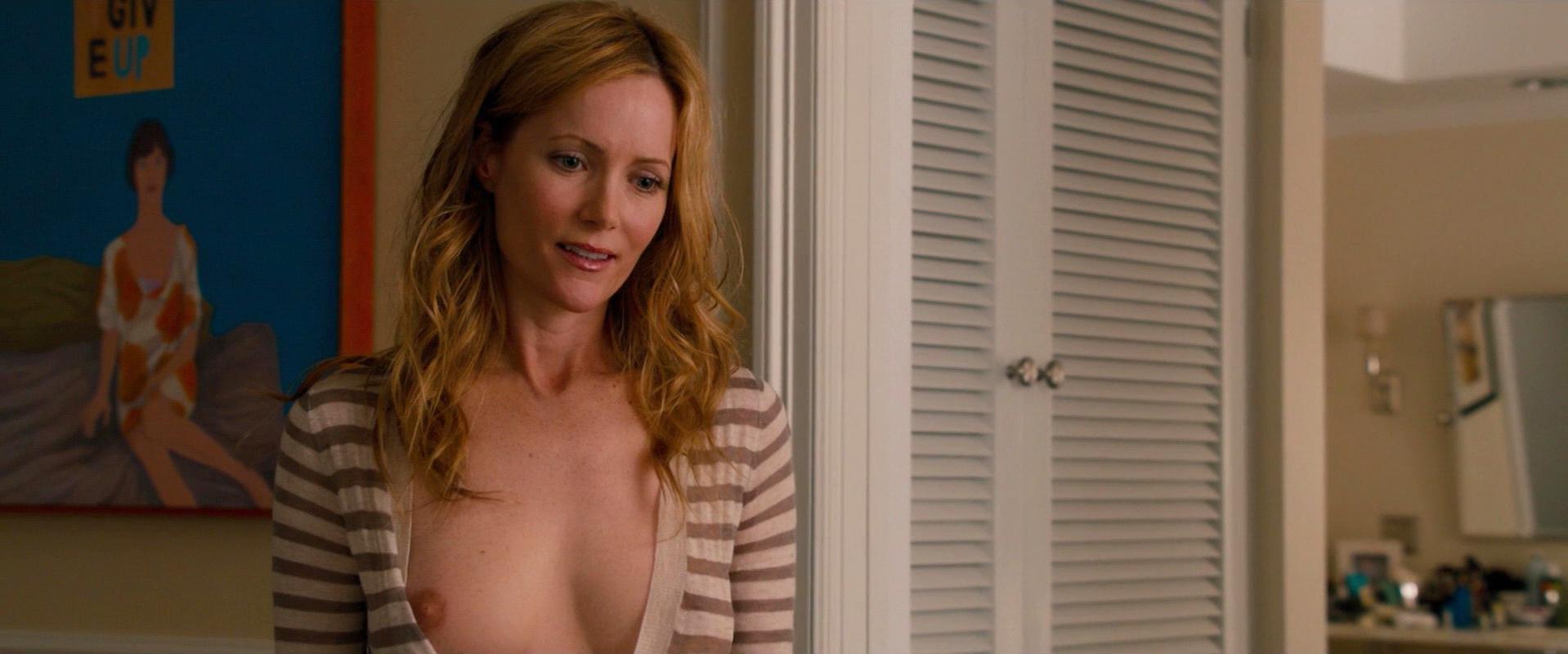 naked leslie mann