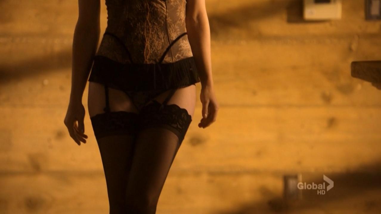 Melissa George sexy - Lie To Me s02e13 (2010)