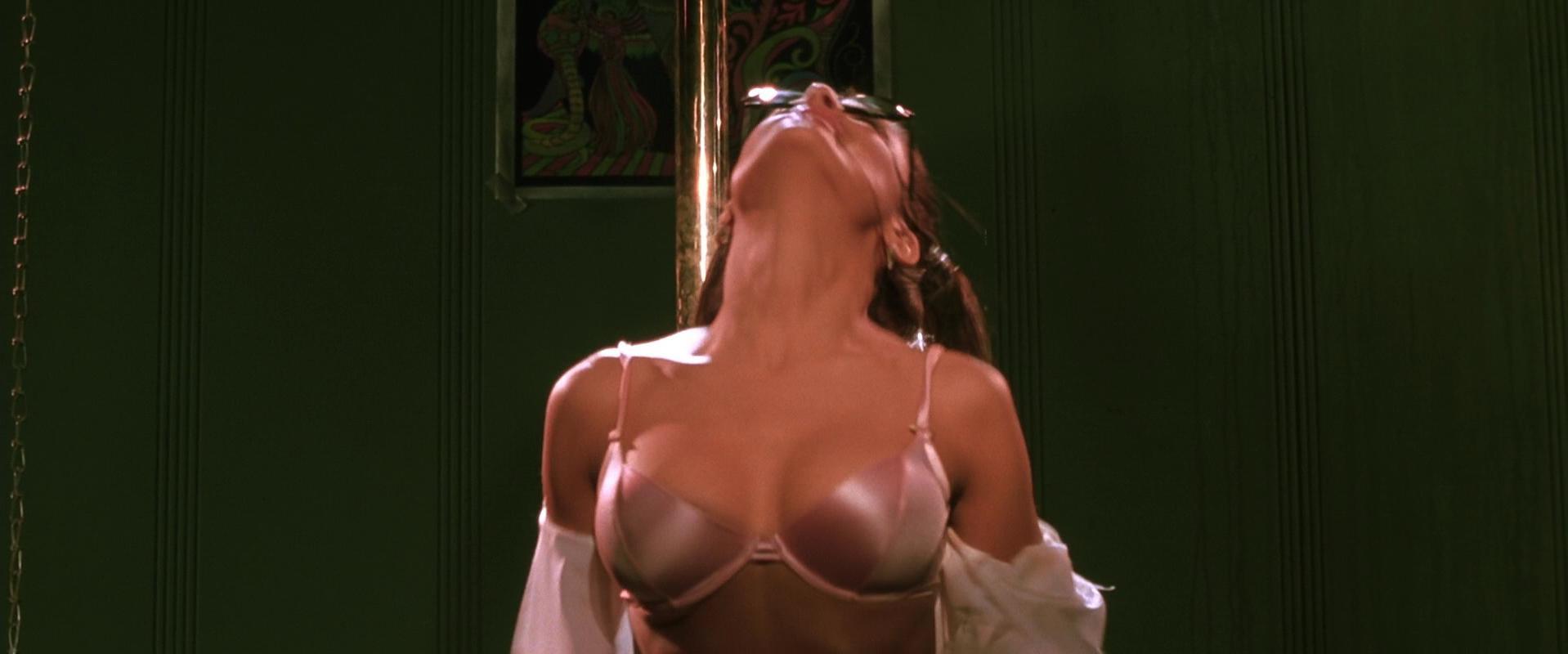 Salma Hayek sexy - Dogma (1999)