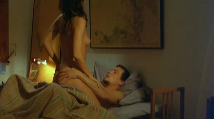 Irene Montala nude - Nubes de verano (2004)