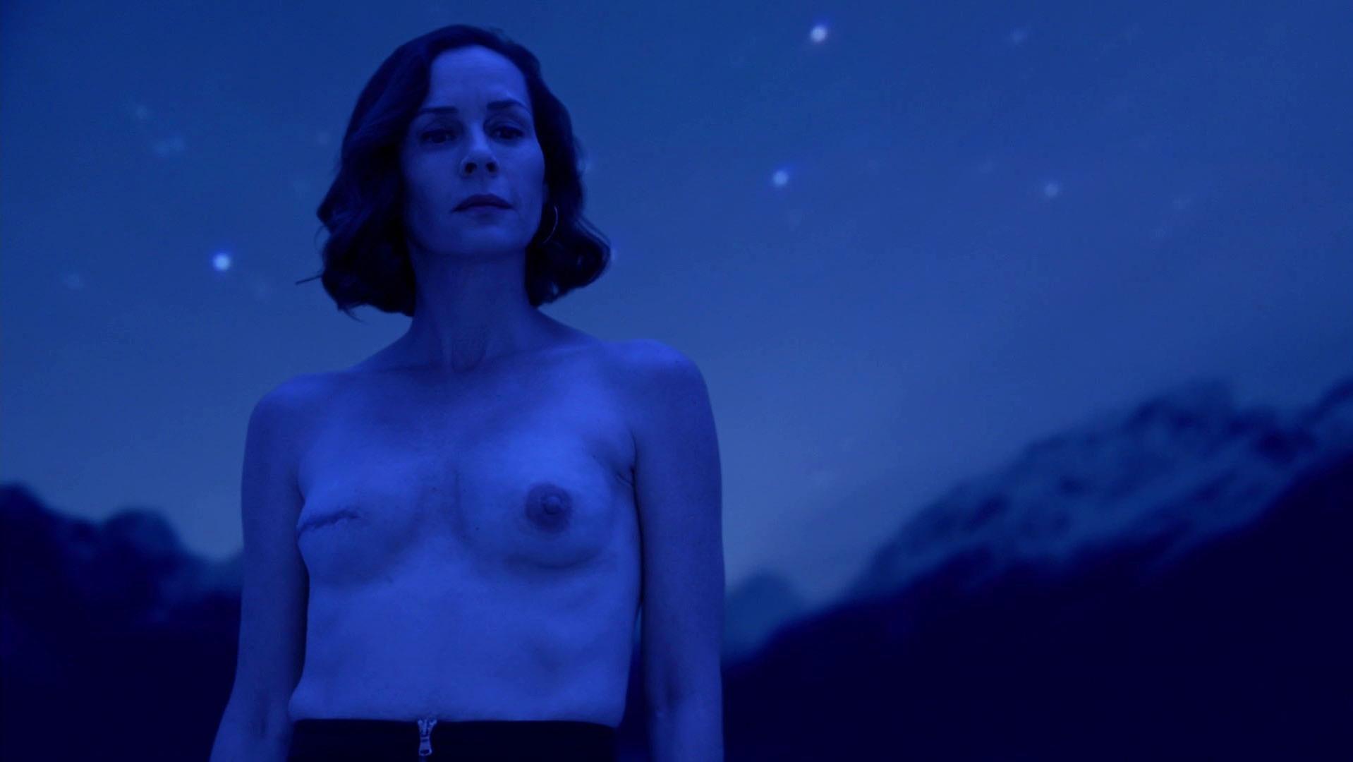 Embeth Davidtz nude - Ray Donovan s04e06 (2016)