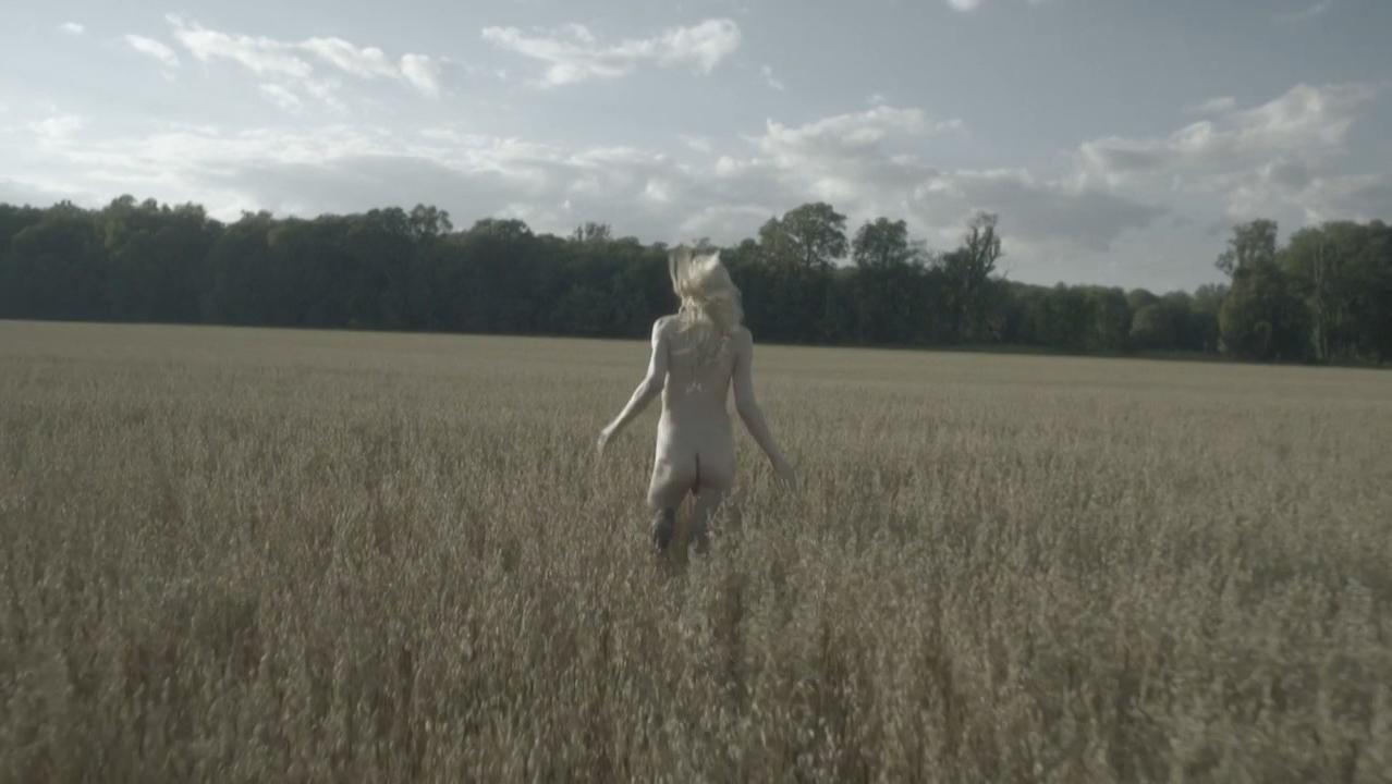 Jessica Stam nude - Reason (2015)