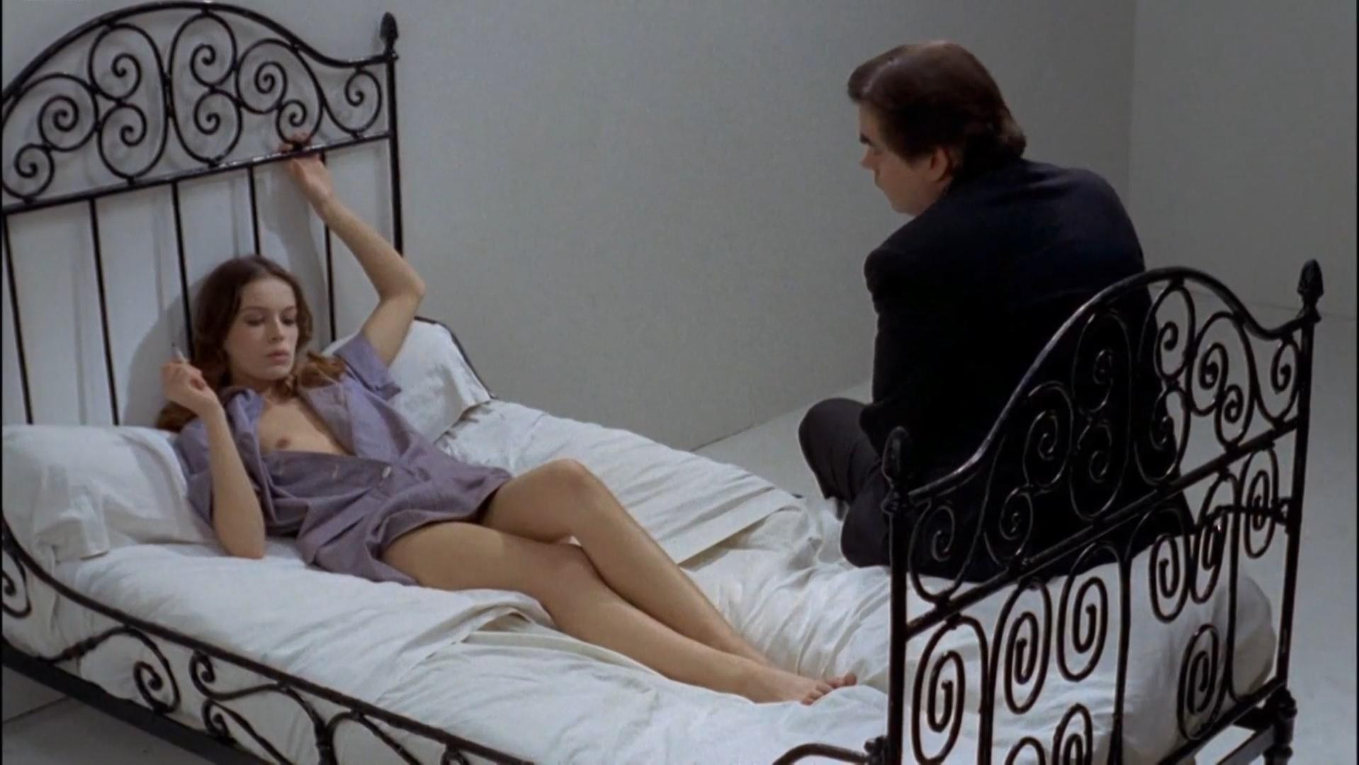 Anicee Alvina nude - Glissements progressifs du plaisir (1973)