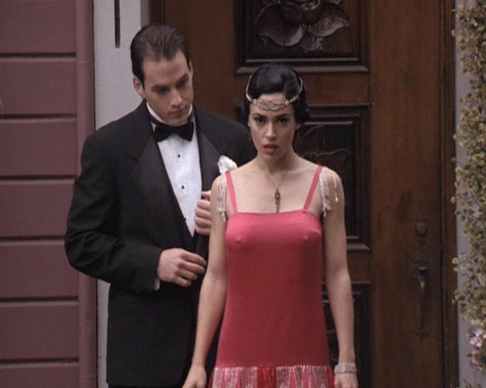 Alyssa Milano sexy - Charmed s02 (1999)