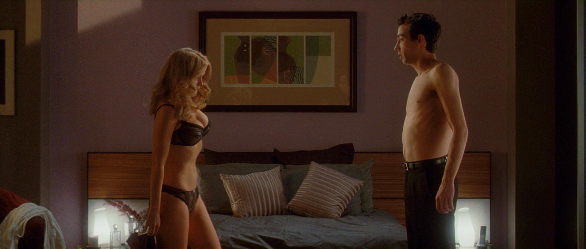 Alice Eve sexy - She's Out of My League (2010)