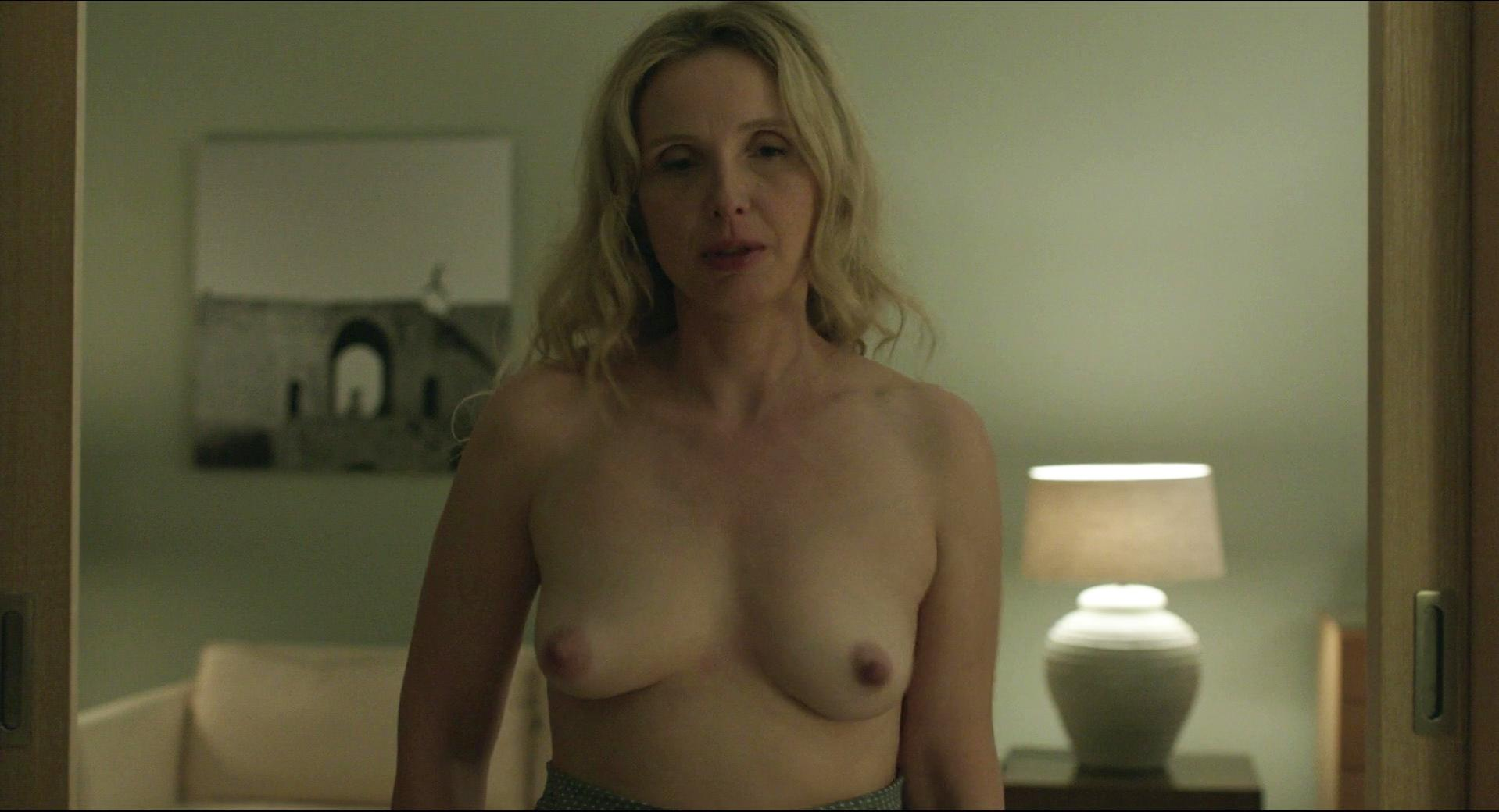 julie delpy topless gif