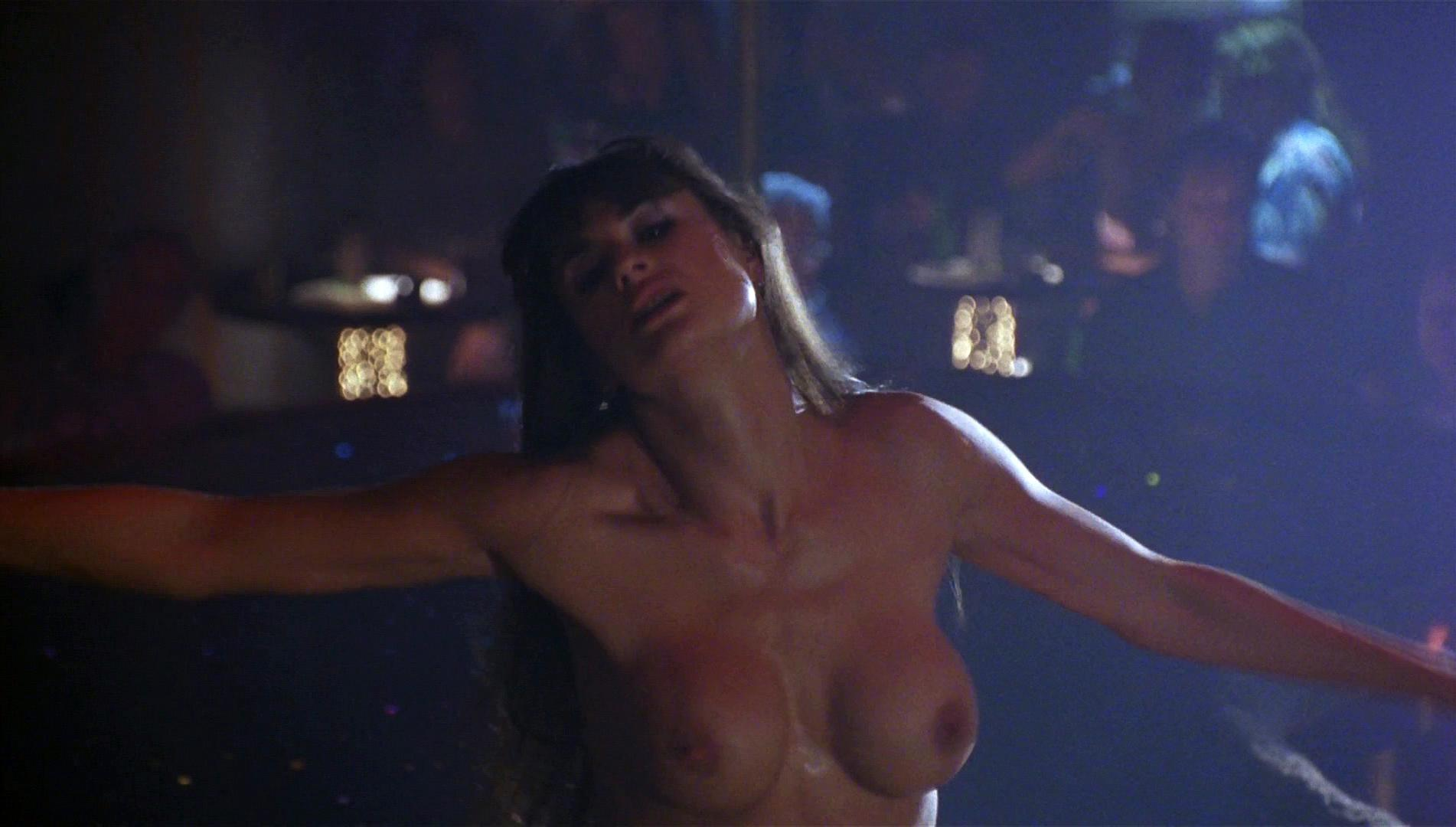 Nude Video Celebs  Demi Moore Nude - Striptease 1996-5602