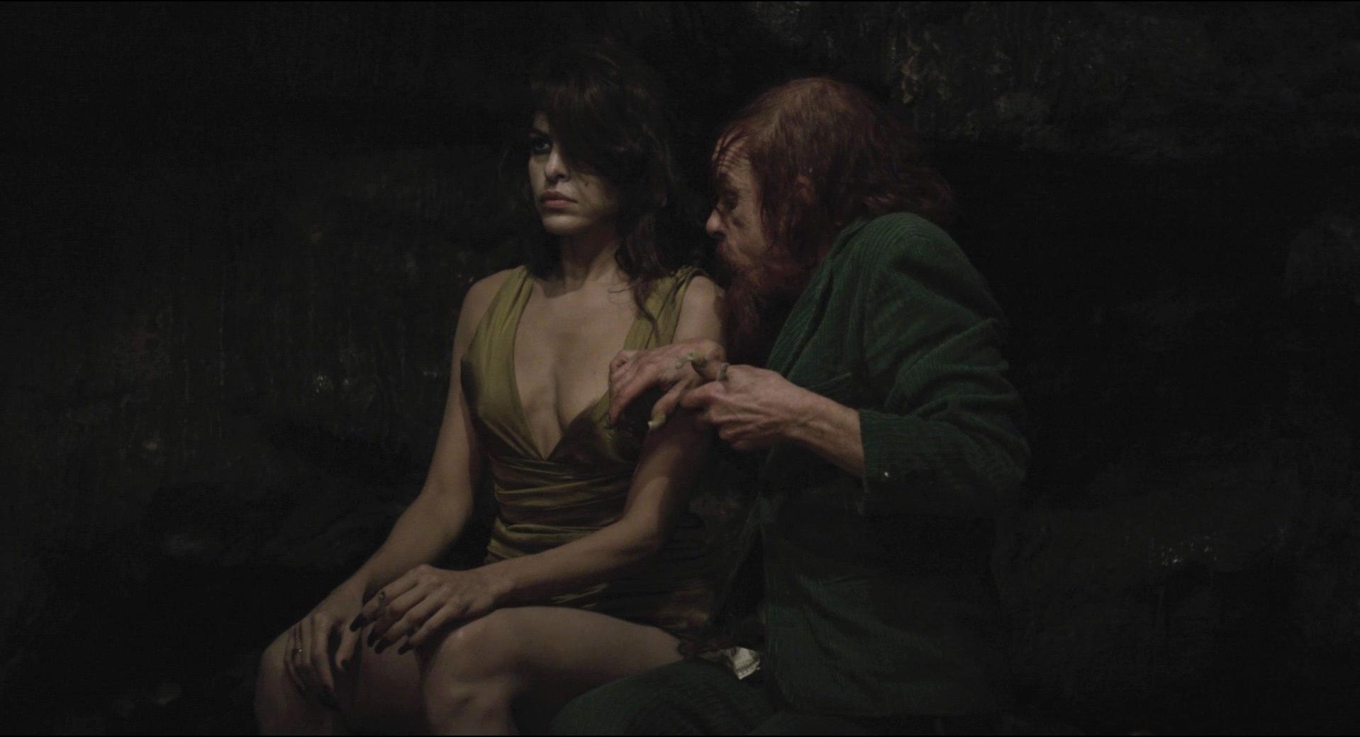 ... Eva Mendes sexy - Holy Motors (2012) ...
