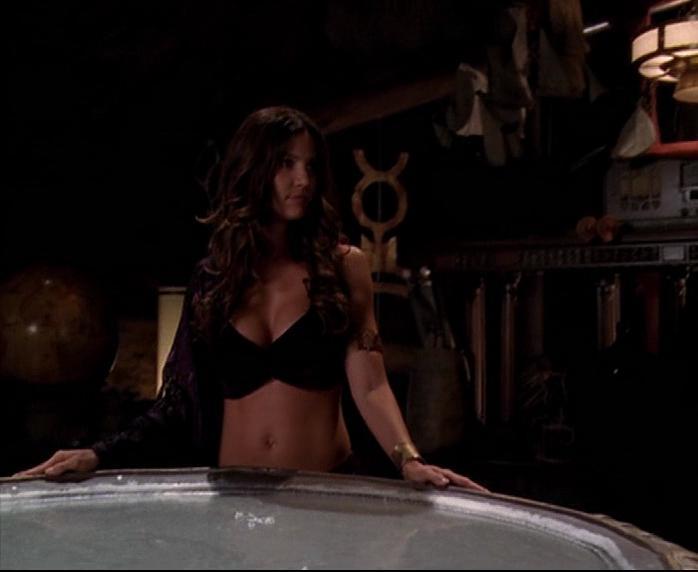 Charisma Carpenter sexy - Charmed s07 (2004)