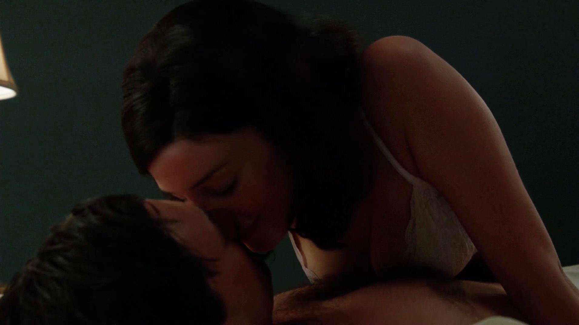 Jessica Pare sexy - Mad Men s06e01 (2013)
