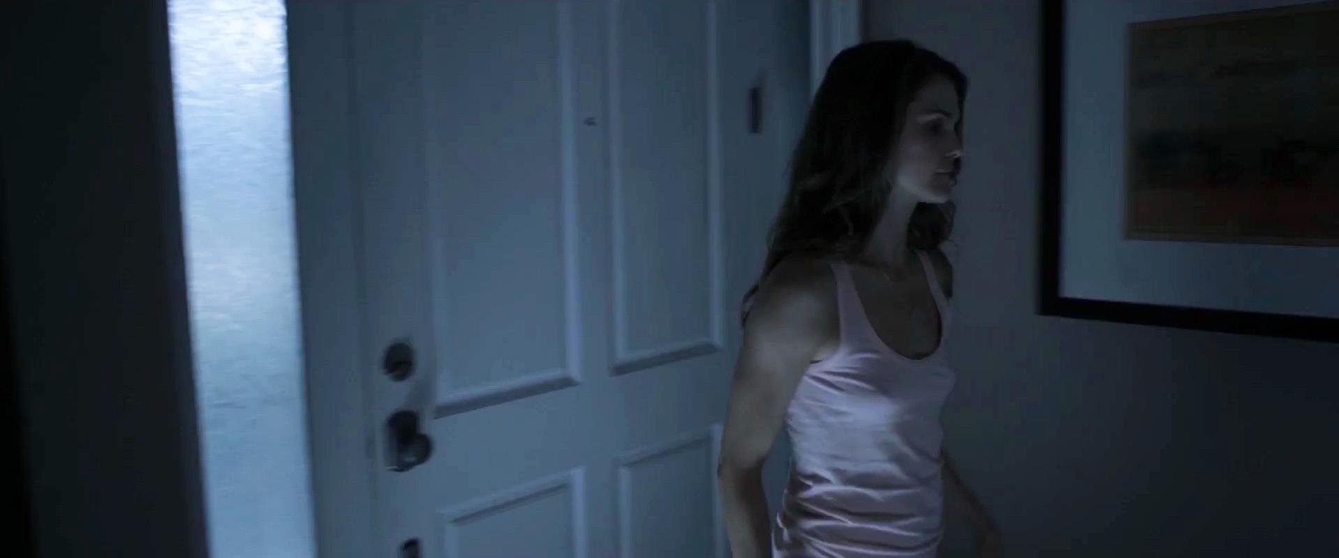 Keri Russell sexy - Dark Skies (2013)