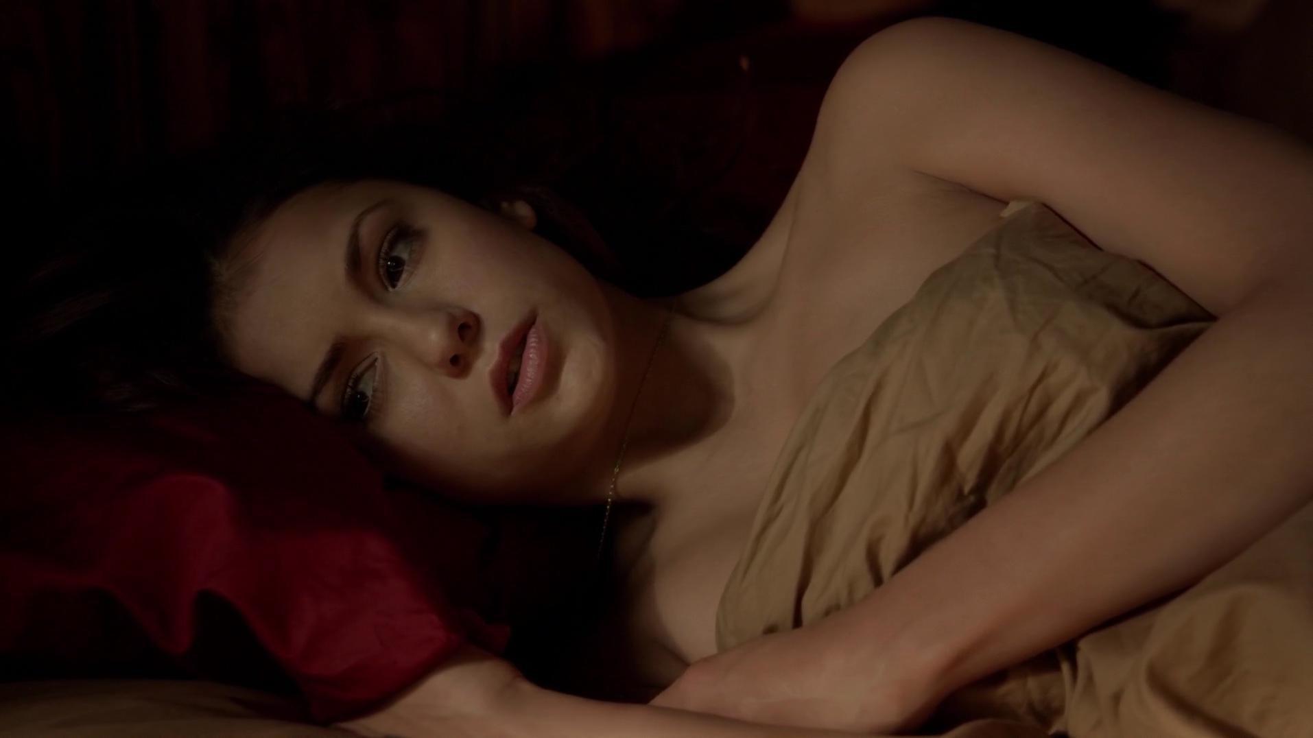 Nina Dobrev sexy - The Vampire Diaries s05e17 (2014)