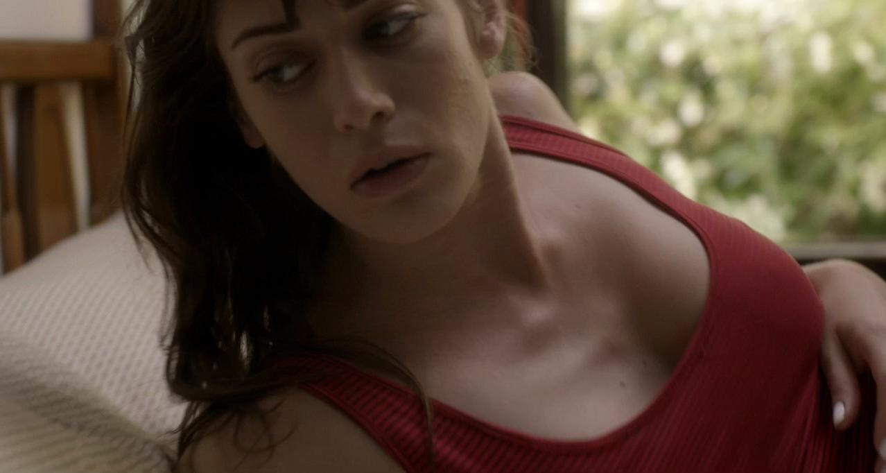 Lizzy Caplan sexy - Save the Date (2012)