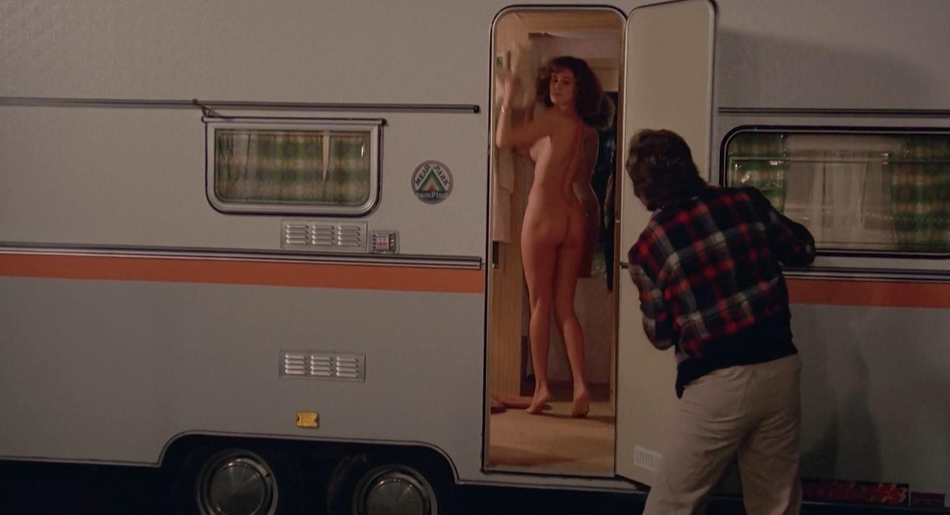 Corinne Clery nude - Autostop rosso sangue (1977)