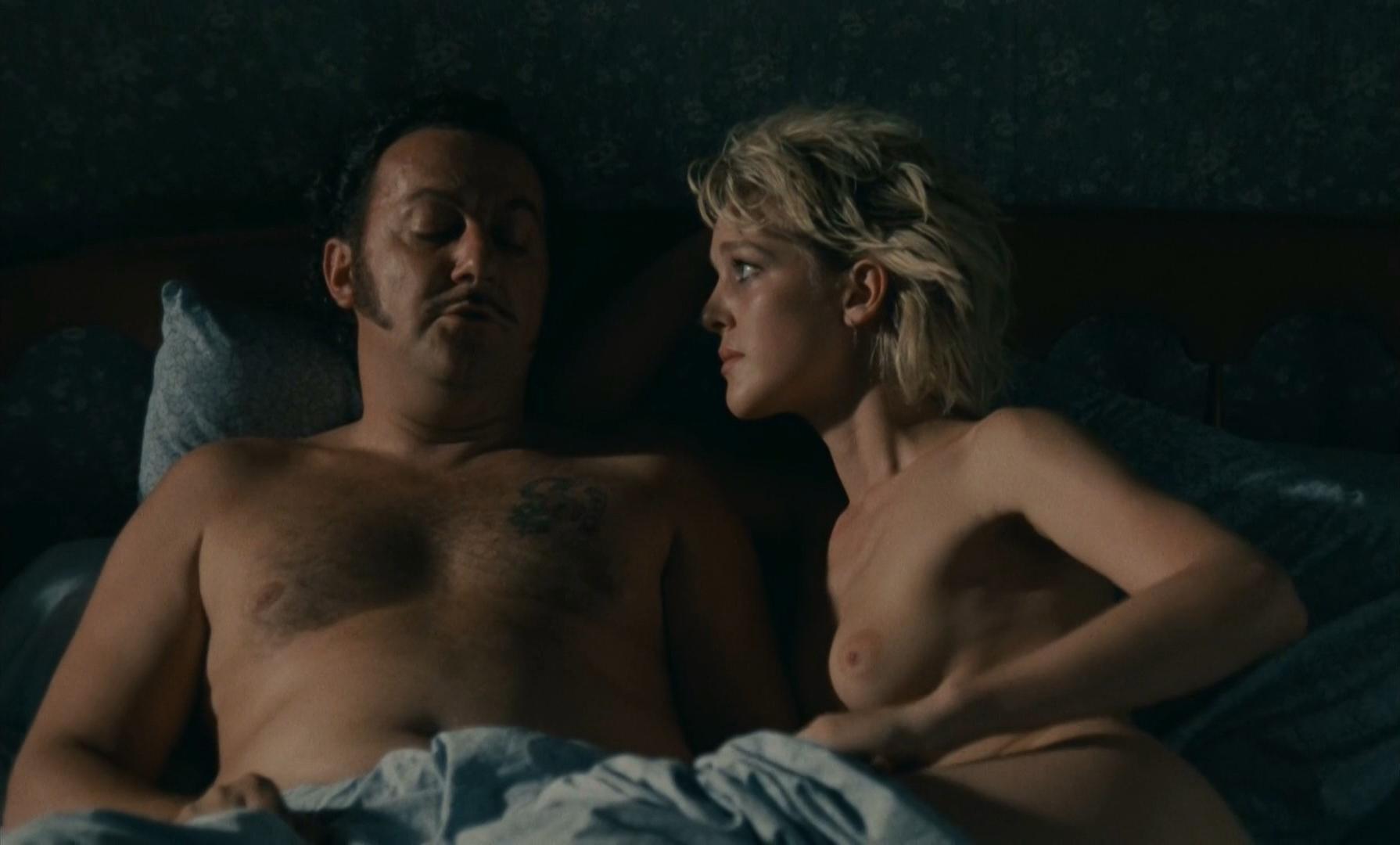 Agnes Soral nude - Tchao pantin (1983)