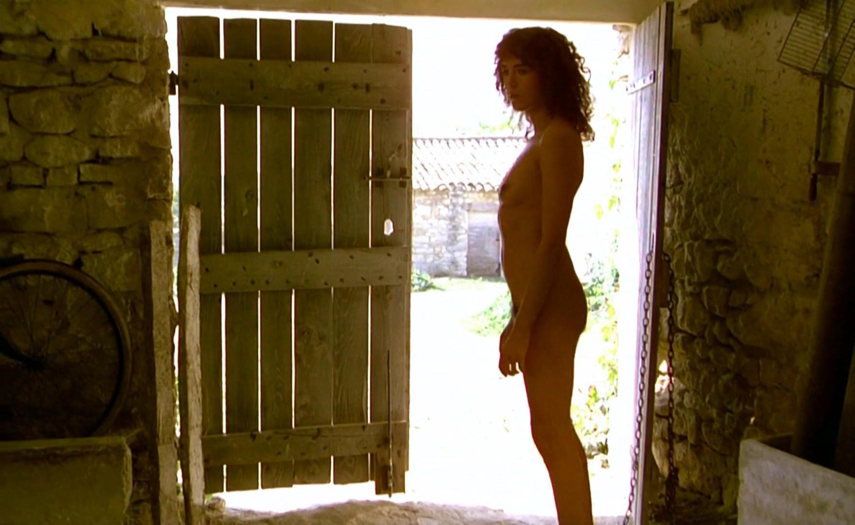 Isabelle Adjani nude - L'ete Meurtrier (1984)