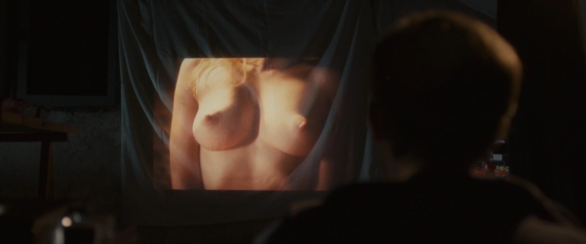 Maud Wyler nude - Le combat ordinaire (2015)