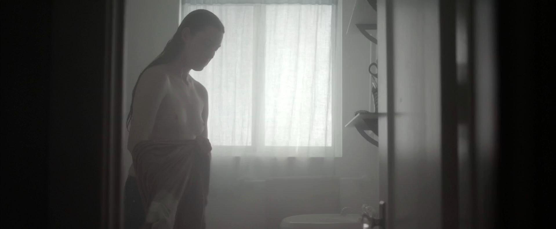 Hot Bare Naked Choke Images