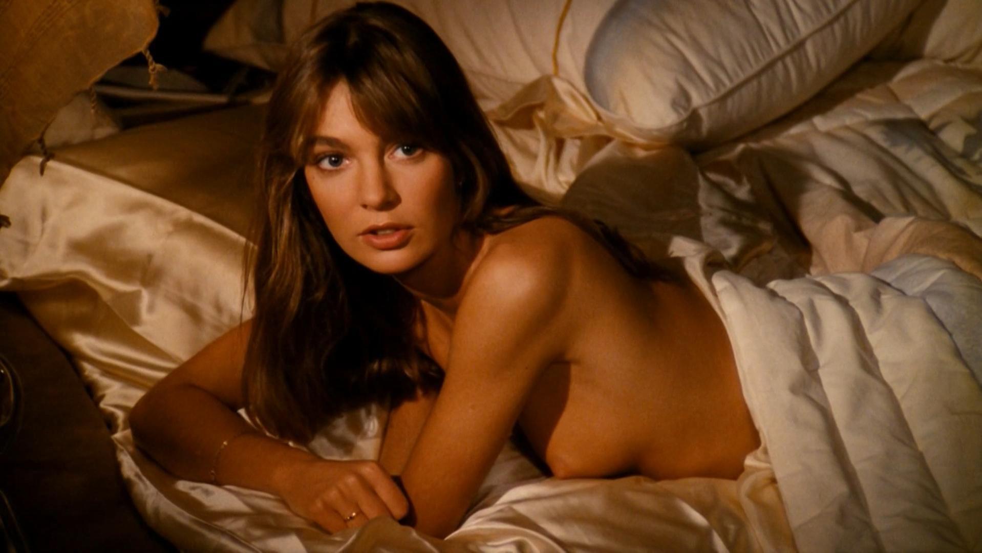 Anne Parillaud nude - Pour la peau d'un flic (1981)