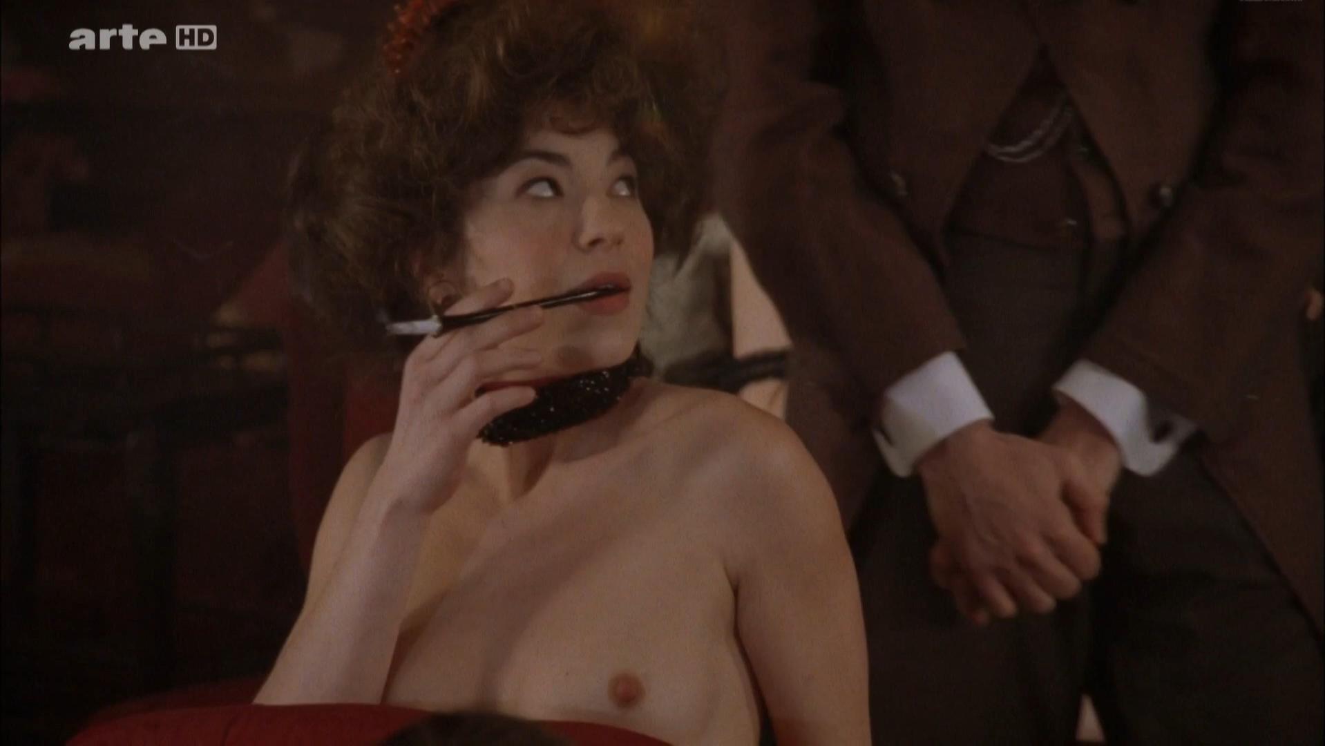 Sara Pasquier nude, Zoe Nonn nude - A la recherche du temps perdu (2010)
