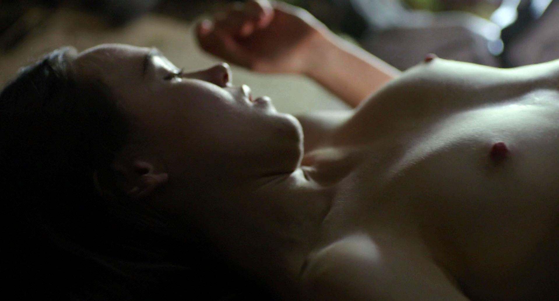 Ellen Page nude - Into the Forest (2015)