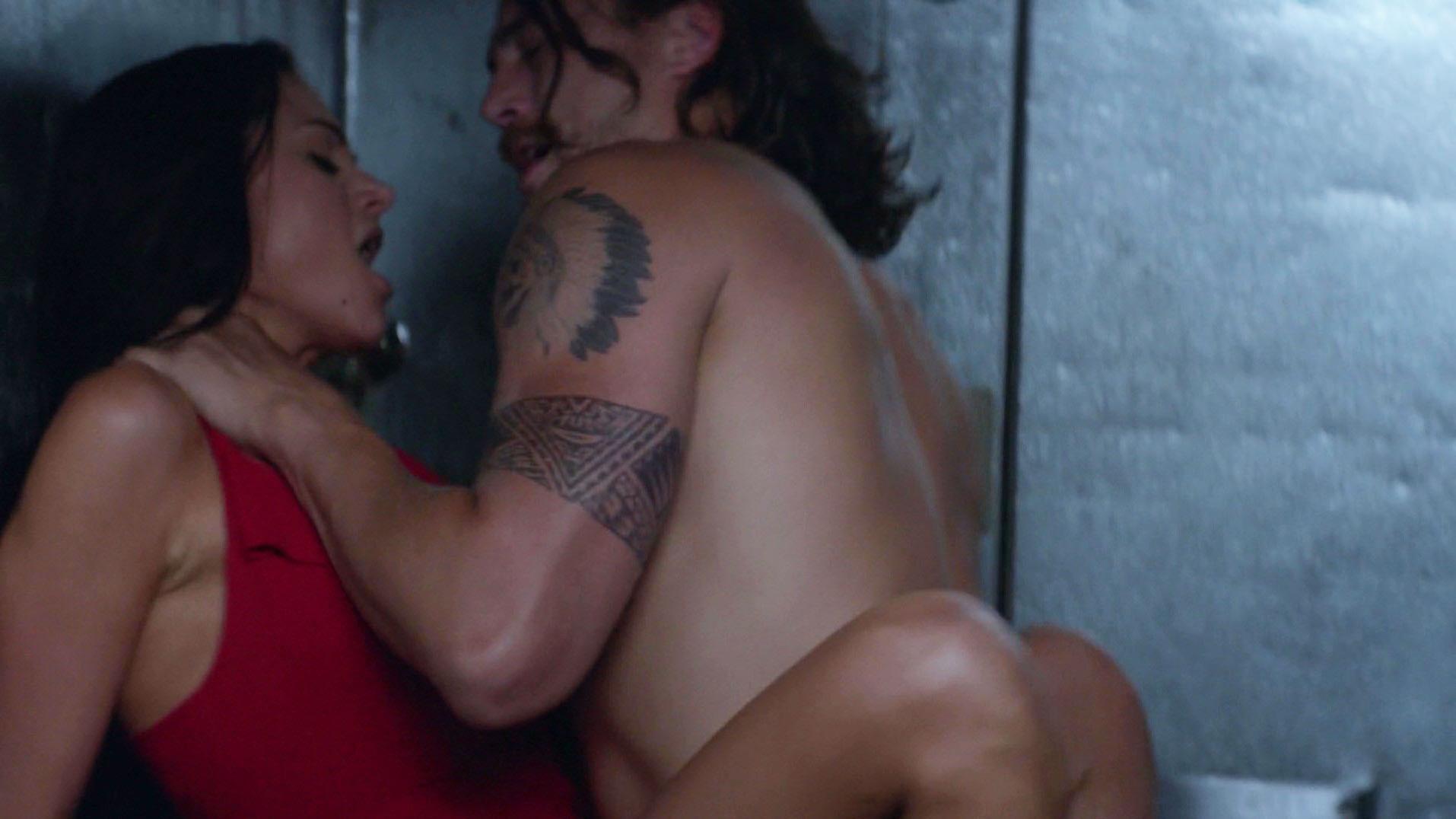 Nude Video Celebs  Christina Ochoa Sexy - Animal Kingdom -3683