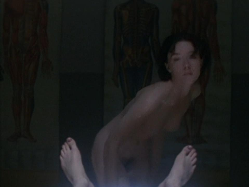 Molly Parker nude - Kissed (1996)