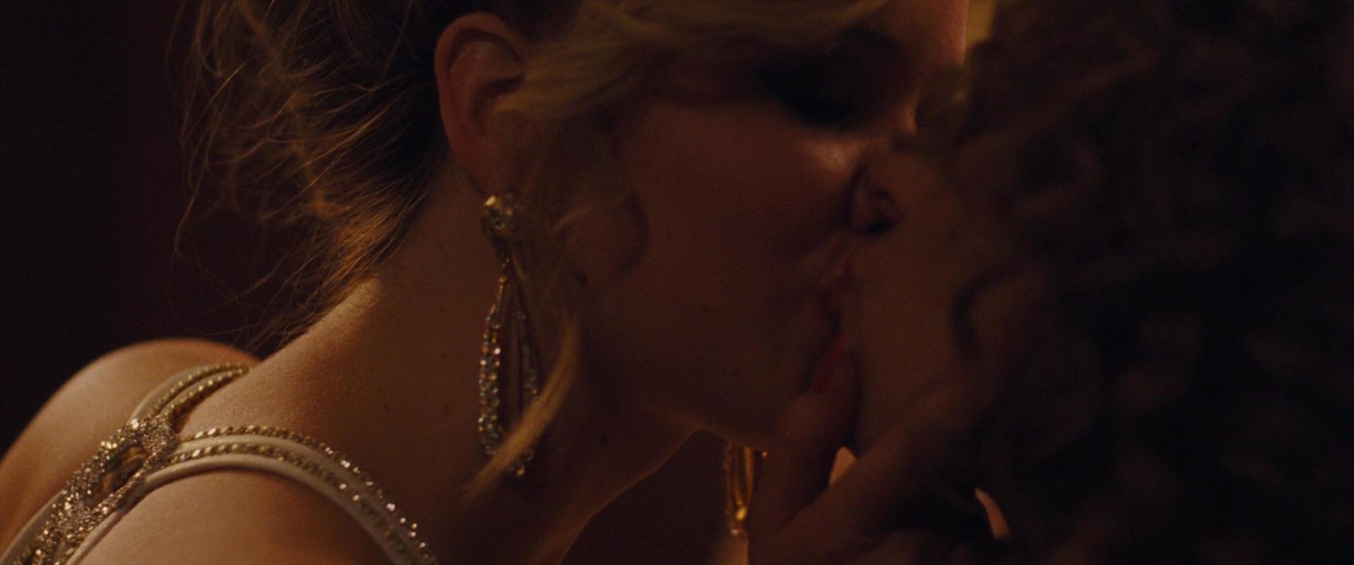 Jennifer Lawrence sexy - American Hustle (2013)