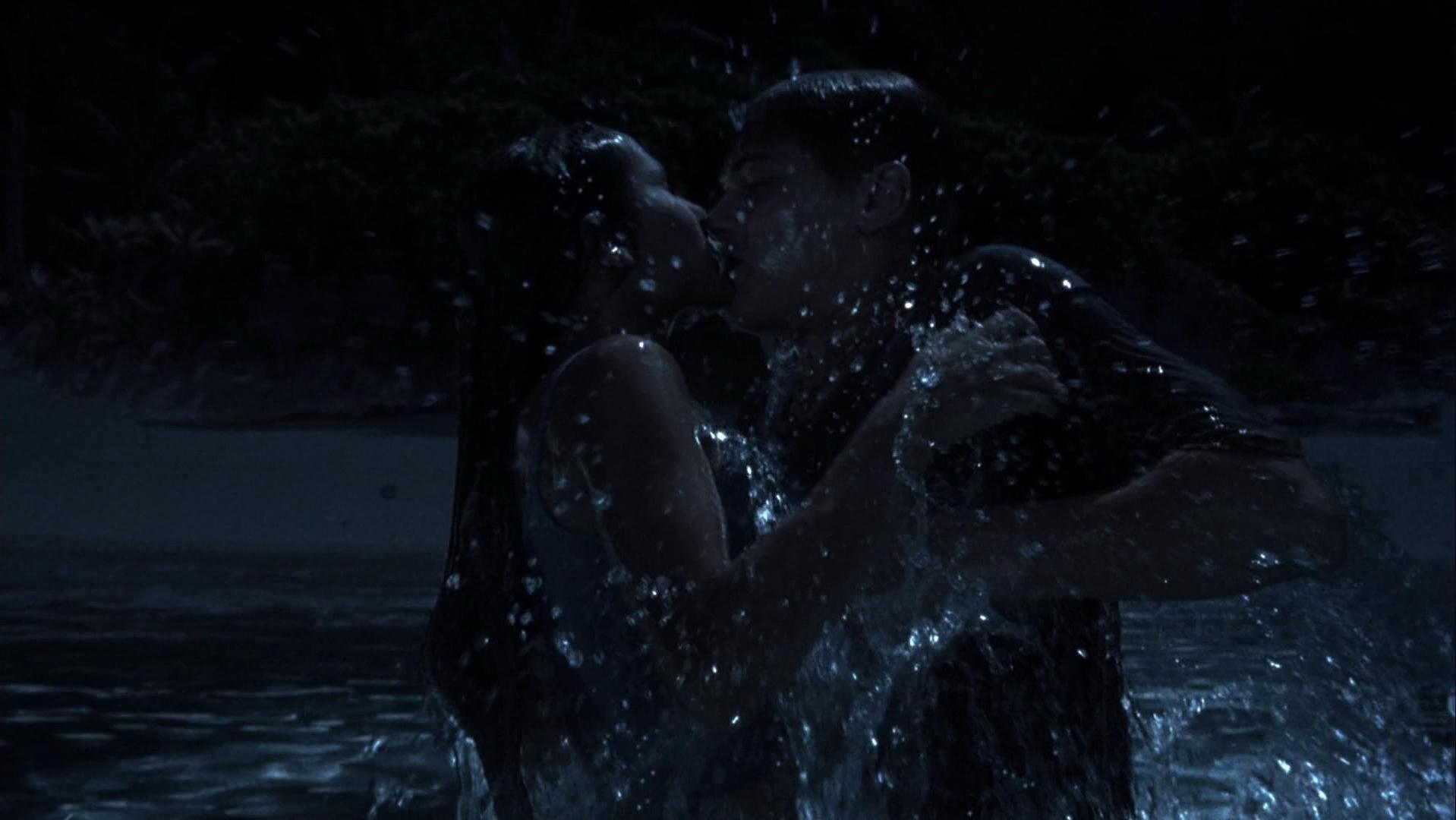 Virginie Ledoyen nude - The Beach (2000)
