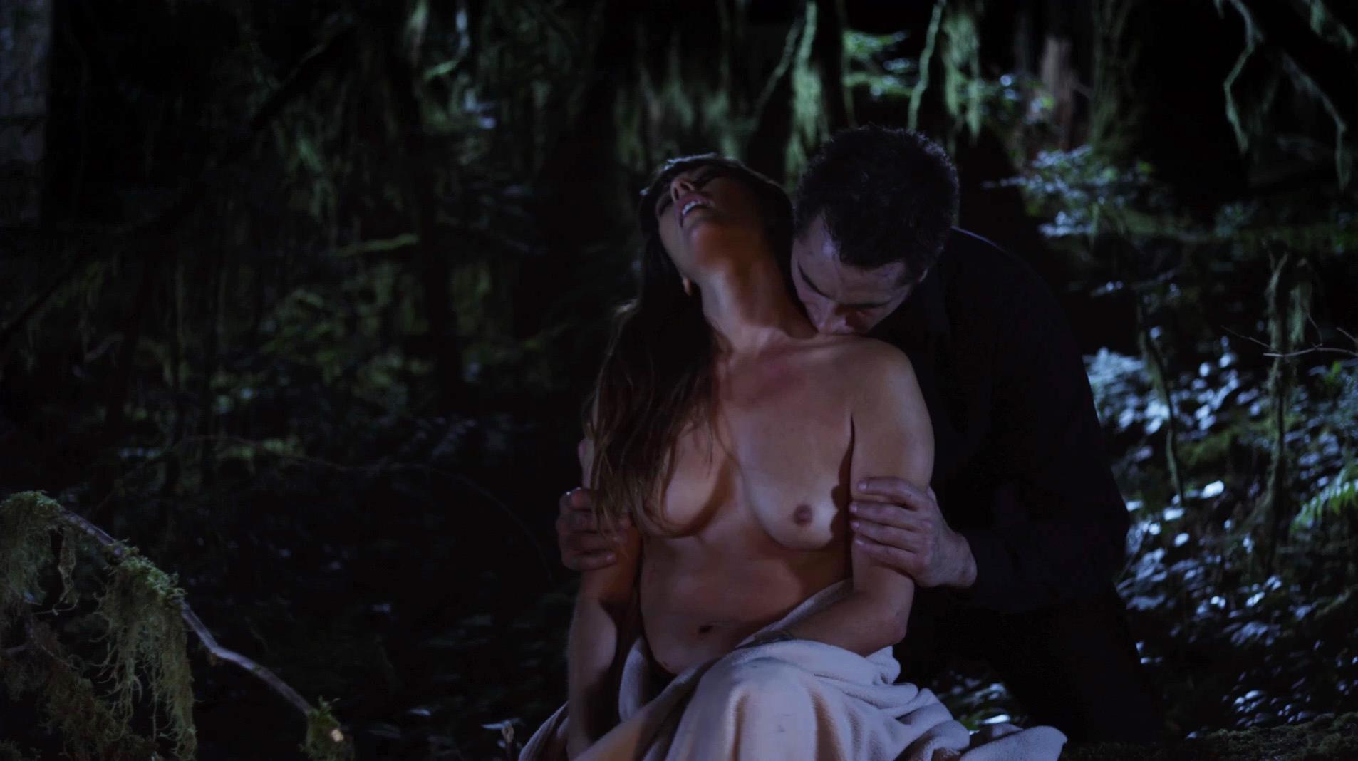 C.C. Sheffield nude - Embrace of the Vampire (2013)