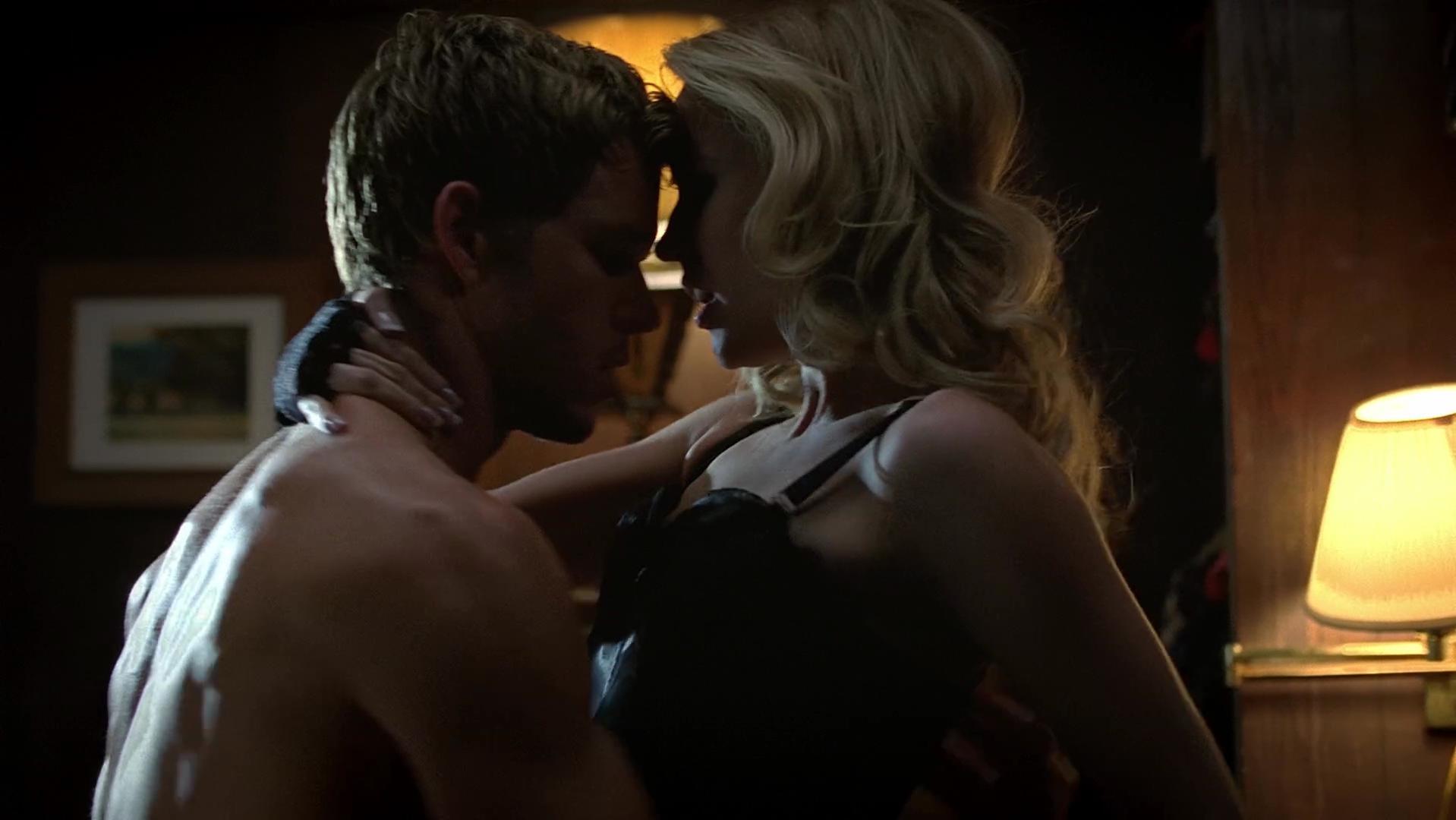 Anna Camp sexy - True Blood s06e05 (2013)