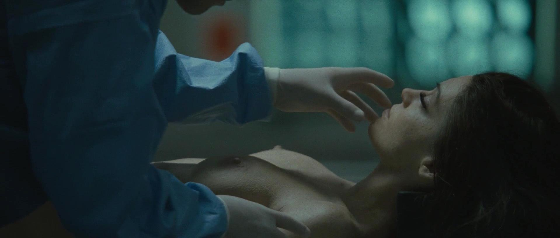 Alyssa Milano nude - Pathology (2008)