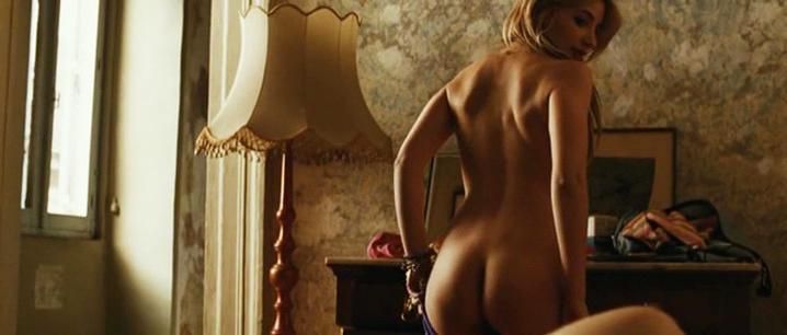 Asia Argento sexy, Miriam Giovanelli nude - Drifters (2011)