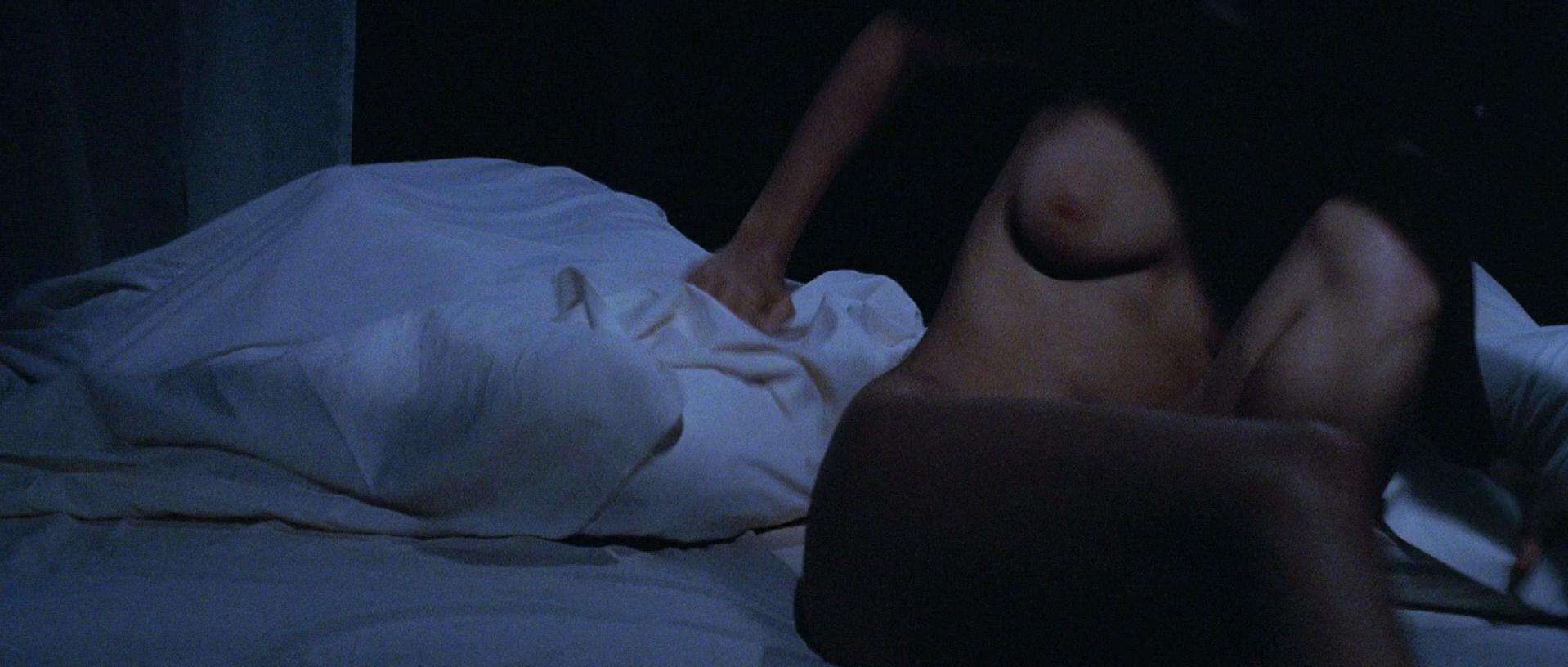 Marion Cotillard nude - Taxi (1998)