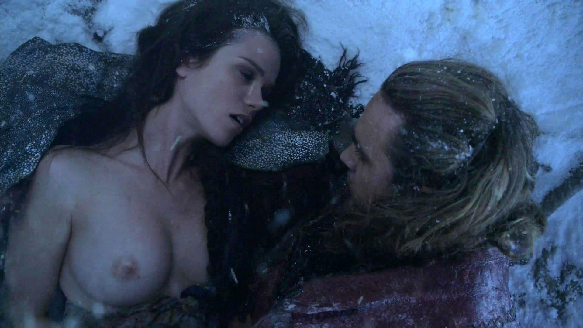 Gwendoline Taylor nude - Spartacus s03e07 (2013)