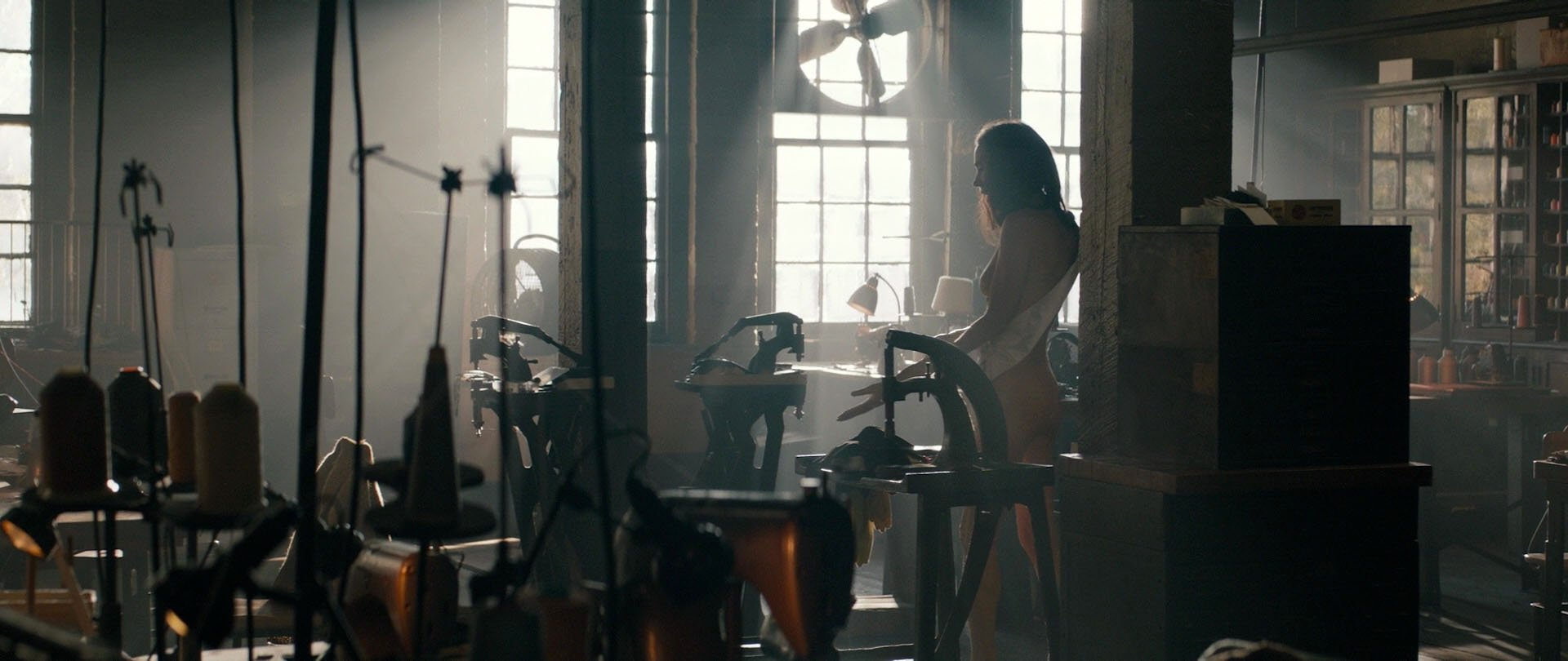 Jennifer Connelly nude - American Pastoral (2016)